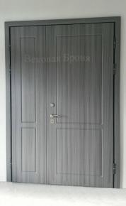 Дверь стальная двустворчатая