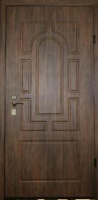 Дверь стальная с наружней отделкой МДФ