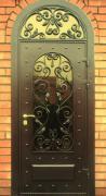 Дверь с ковкой и стеклопакетом